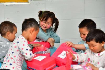 安利公益基金会捐赠500万元卫生包 助力开学复课
