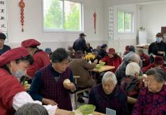 老人吃飯難題解決了!鄒城首家社區幸福食堂投用