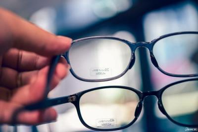 """眼鏡質量參差不齊 """"防藍光""""究竟是護盾還是噱頭"""