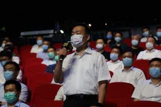 兗州區工業和信息化部門負責人在問政現場