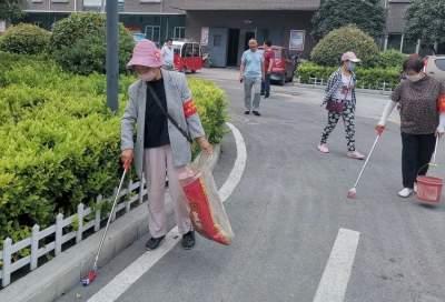 """市民巡防团出动,走街串巷做城市文明的""""啄木鸟"""""""