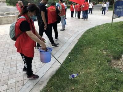 兗州:黨員先行 助力創城 黨建引領紅色物業