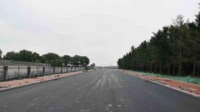太白湖新區泰山路南延已具備通車條件,老百姓都很期待