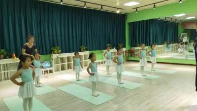 关于舞蹈训练和儿童美育的内在关系