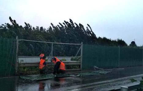 北环路道路围挡被破坏存隐患 部门:已修复完毕