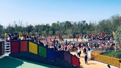 济宁儿童公园今天开园,小伙伴们赶紧约起来吧!