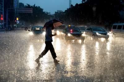 38个雷电预警!未来三天山东将有暴雨 伴有7-9级大风