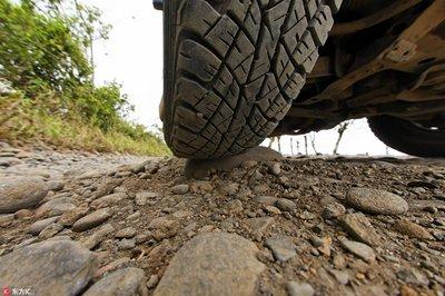 轮胎缝的小石子,到底要不要扣掉,你知道吗?