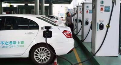 """多車企推解決方案 濟寧車主的新能源汽車""""電池焦慮""""有望緩解"""