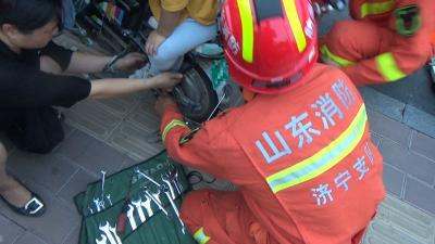 驚!濟寧又雙叒見電動車卡腳事件 消防提醒…