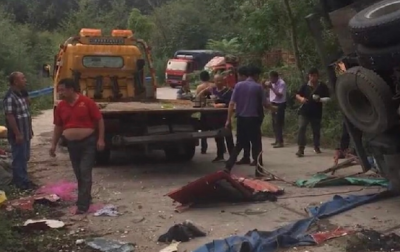 貨車側翻埋壓撿蒜瓣群眾致8死11傷 官方通報事發經過