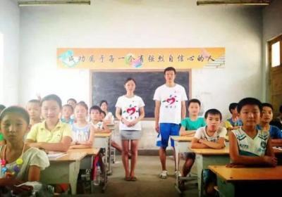 体育老师当班主任一年后:带的班学问课挺好