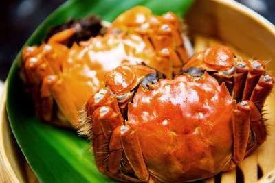 """秋风起螃蟹肥,那些流传已久的吃蟹""""禁忌""""真的假的?"""