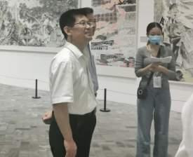 張繼民參觀視察濟寧市重大題材美術創作工程作品展