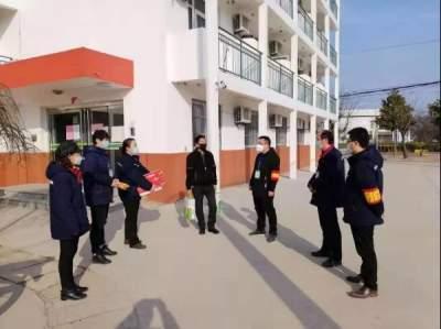 濟寧市人大代表集中開展規范物業管理公開接待日活動