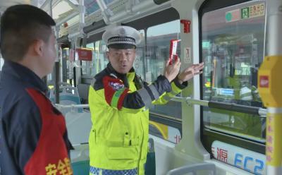 任城交警走进辖区企业开展交通安全宣传  从源头做好全面保障工作