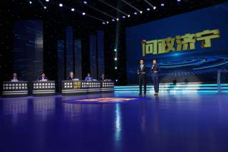 《問政濟寧》主持人李乾 問政督辦員陳婭