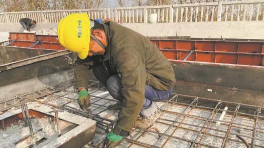 魯南高鐵菏曲段橋梁主體工程完工 進入無砟軌道和橋面系施工階段