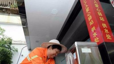 网民建言:市区应规划建设环卫工人休息场所