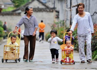 中國新生兒數量連年下跌 解決托育難題迫在眉睫