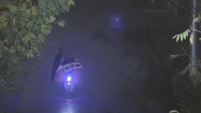 電動車撞傷老人逃逸 梁山警方調閱五千張照片破案