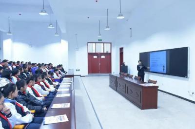禁毒宣傳進校園 濟寧高新區公安分局為青春保駕護航