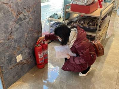紧绷安全弦 严守安全线 阜桥街道新刘庄社区开展安全专项检查