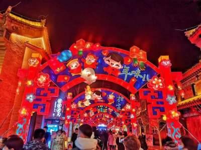 春节假期国内旅游收入3011亿元 恢复至疫前同期58.6%