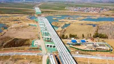 G327曲阜至任城改建工程东段泗河大桥段预计今年6月底主体完工