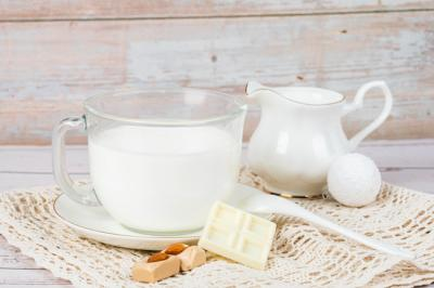 高钙奶补钙效果更好?戳破关于牛奶的这些假知识