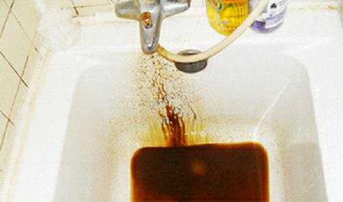 小区自来水被污染、水压不稳定谁来解决?