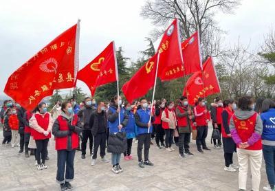 """金乡开展新时代文明实践志愿服务欢庆""""三八节""""植树活动"""