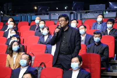 微山县行政审批服务部门负责人在问政现场