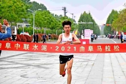 孔子故里感受儒家文化魅力 2021曲阜馬拉松比賽鳴槍開跑