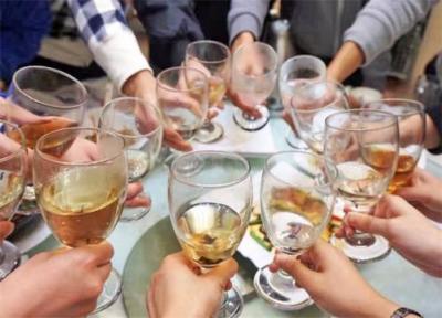 @正在吃这六类药朋友们,请赶快放下酒杯!