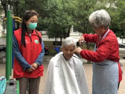 轻度老龄化!中国60岁以上人口占比18.7%