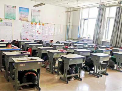 防灾减灾日丨曲阜陵城镇开展校园防震疏散演练