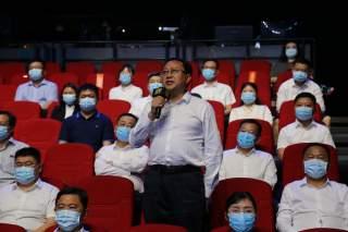 泗水县投资促进部门负责人在问政现场