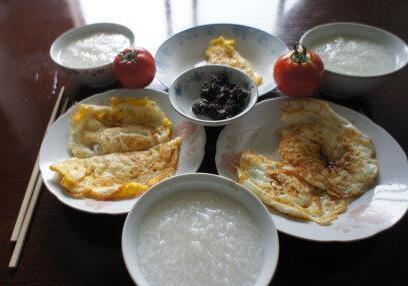 """不吃早餐易得胆结石还容易肥胖 如何""""吃饱吃好""""?"""
