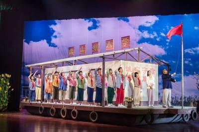 展示孔孟之乡文化扶贫成果 励志儿童剧《荡起双桨》济宁展演