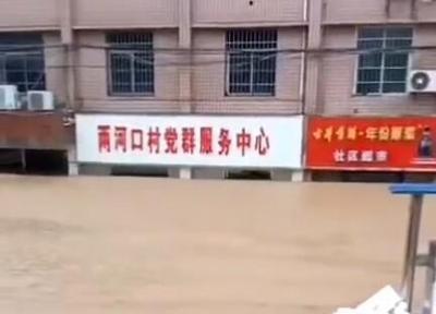 六问河南特大暴雨:这里为何成为全国强降雨中心?