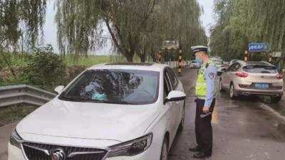 新濠天地官网的司机们注意了!副驾不系安全带会被罚