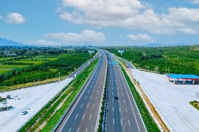 """山东再添一条""""双八""""高速公路!京台高速泰安至枣庄段改扩建交工验收"""