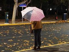 冷空气组团!大范围阴雨来袭 南方气温陆续将又创新低