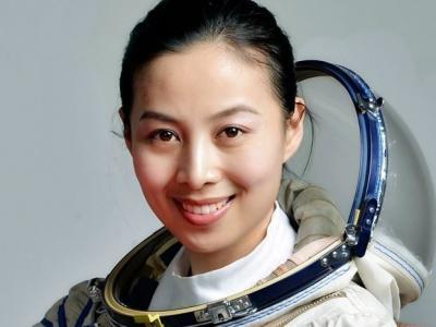 男女航天员选拔和培养有何不同?女航天员有何优势?